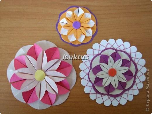 Цветы из кружочков