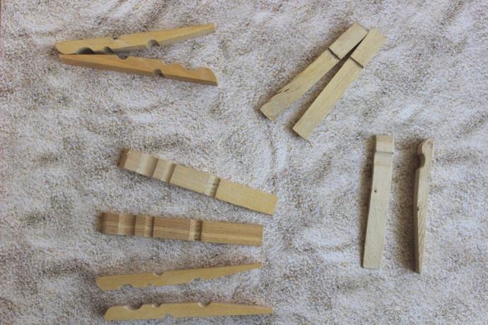 Самолетик из деревянных прищепок и палочек от мороженного