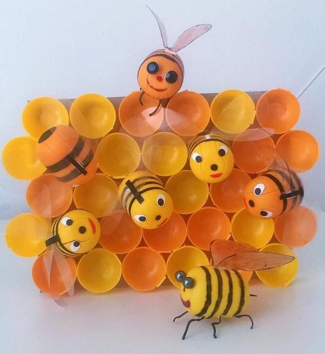 Майские пчелки из киндеров