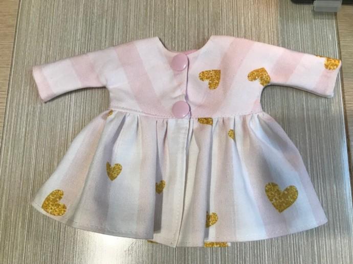 Платье с длинным рукавом для куклы: мастер-класс