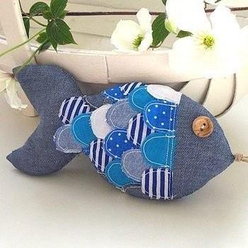 Мягкие игрушки в виде рыбок