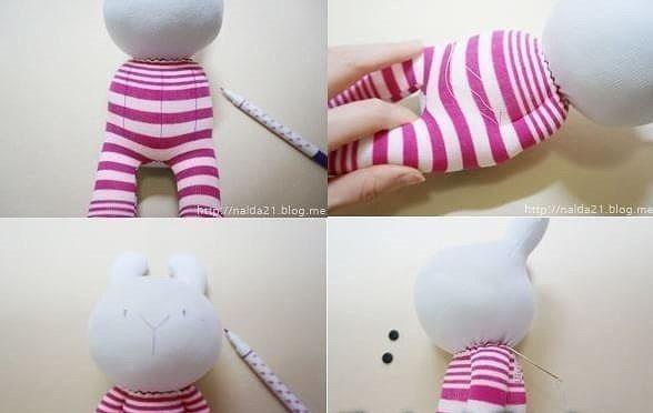 Игрушки из носков в виде кроликов 7