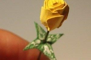 Как сделать розы из бумаги 7