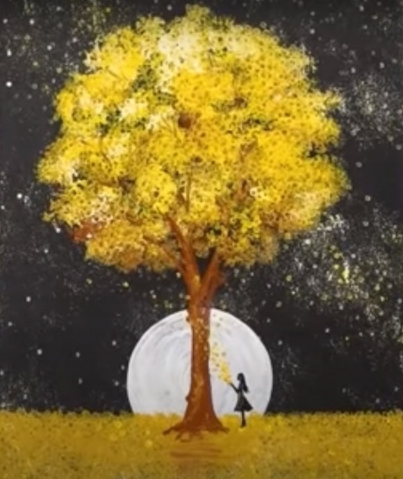 Осеннее дерево на фоне полной луны