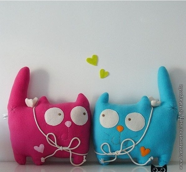 Кото-подушки или кото-игрушки