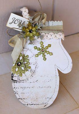Новогодние открытки в форме варежки