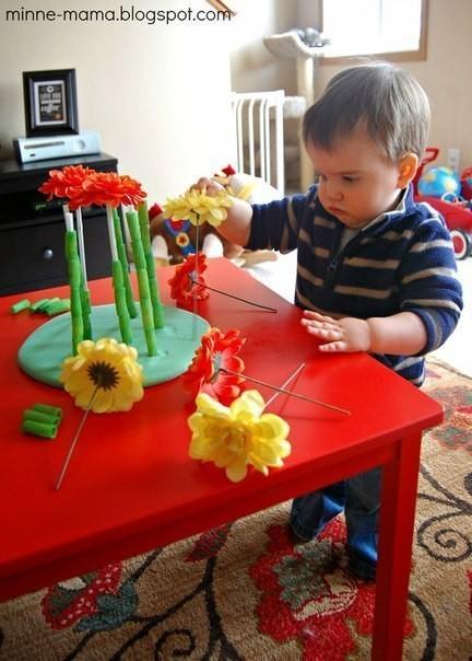 Клумба для развития мелкой моторики ребенка