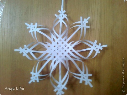 Объемная воздушная снежинка 7