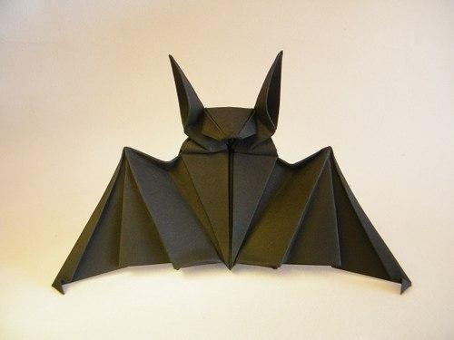 Летучая мышь в технике оригами 0
