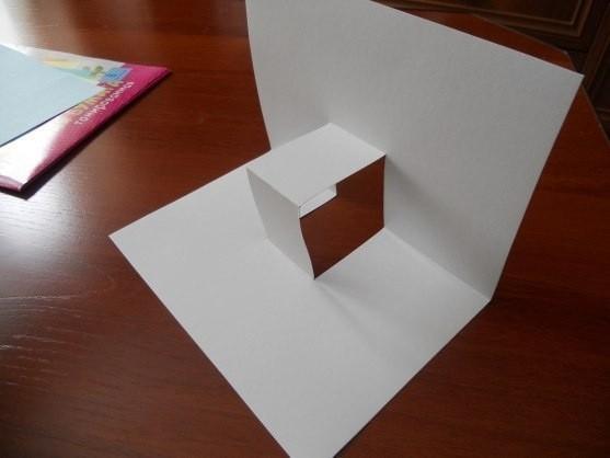 Объёмная открытка из бумаги