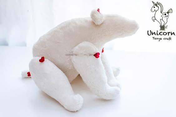 Белый медведь Тильда