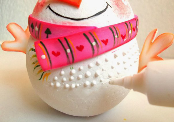 Снеговик из пенополистироловых шариков и фоамирана 8