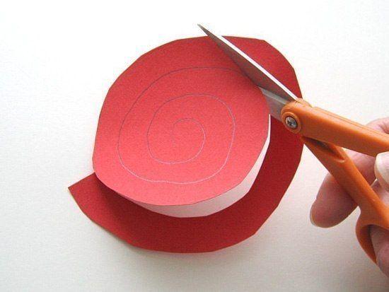 Сердце из спиральных бумажных цветов 2