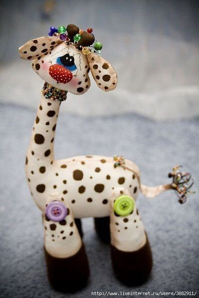 Шьём с детьми милого жирафа