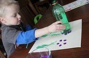 Нетрадиционные техники творчества: рисование пластиковыми бутылками