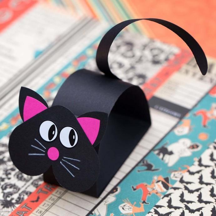 Объемный черный кот
